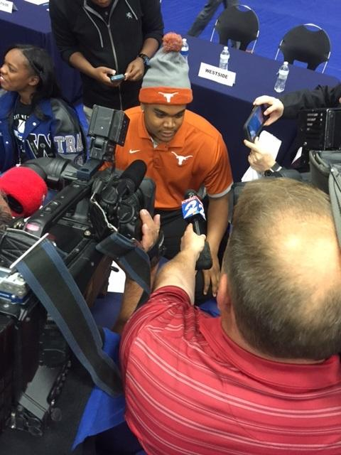 Jordon+Elliott+at+the+Spring+National+Signing+Day%2C+being+interviews+by+KPRC