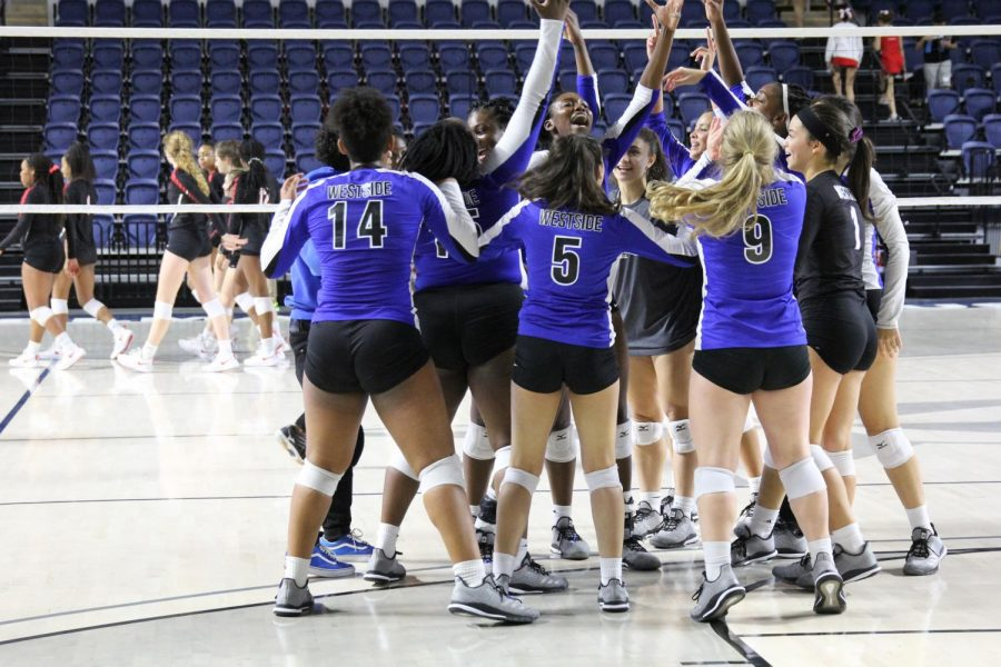 Lady Wolves volleyball defeats Bellaire